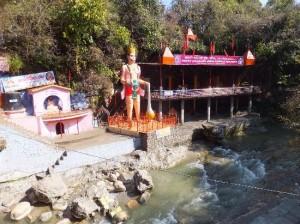tapkeshwar-temple-namaste dehradun
