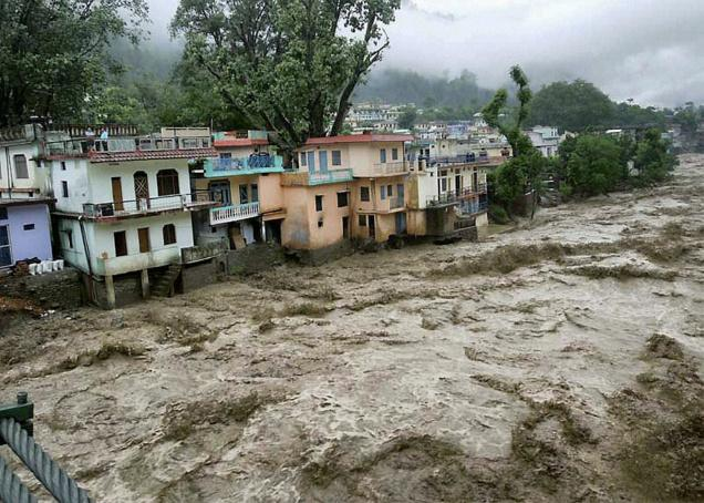 essay on cloudburst in uttarakhand 2013